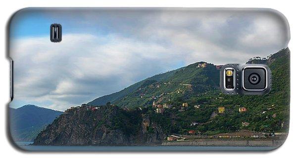 Galaxy S5 Case featuring the photograph Corniglia Cinque Terre Italy by Brad Scott