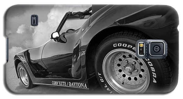 Galaxy S5 Case featuring the photograph Corvette Daytona In Black And White by Gill Billington