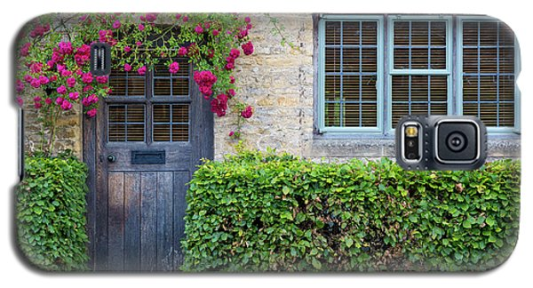 Galaxy S5 Case featuring the photograph Cotswolds Cottage Home by Brian Jannsen