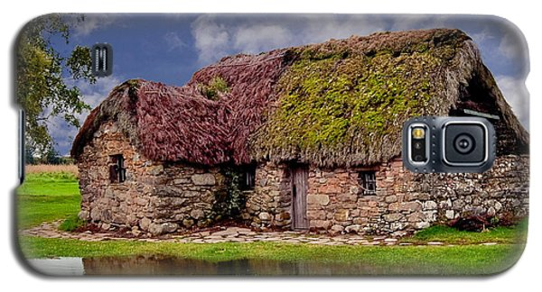 Cottage In The Highlands Galaxy S5 Case by Anthony Dezenzio