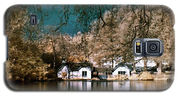 Cottage On The Lake Galaxy S5 Case