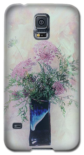 Galaxy S5 Case featuring the photograph Cotton Candy Dreams by Linda Lees