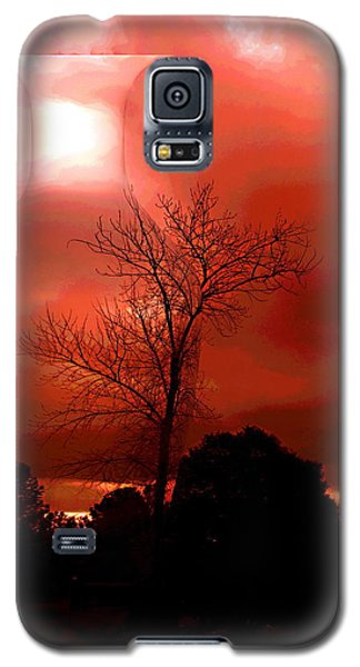 Galaxy S5 Case featuring the photograph Cottonwood Crimson Sunset by Joyce Dickens