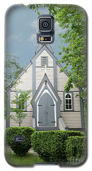 Galaxy S5 Case featuring the photograph Country Church by Rod Wiens
