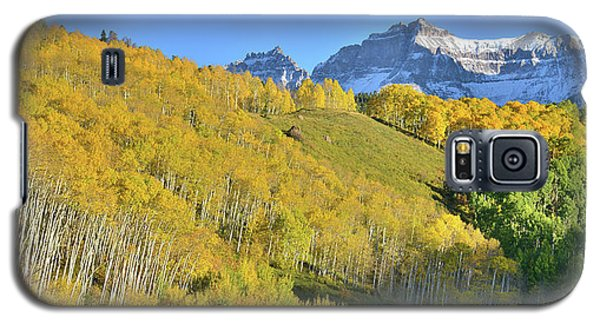 Galaxy S5 Case featuring the photograph County Road 7 Fall Colors by Ray Mathis