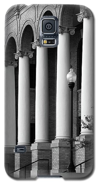 Galaxy S5 Case featuring the photograph Courthouse Columns by Richard Rizzo