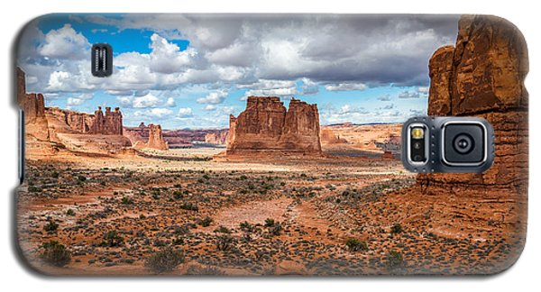 Courthouse Towers At Arches National Park Galaxy S5 Case