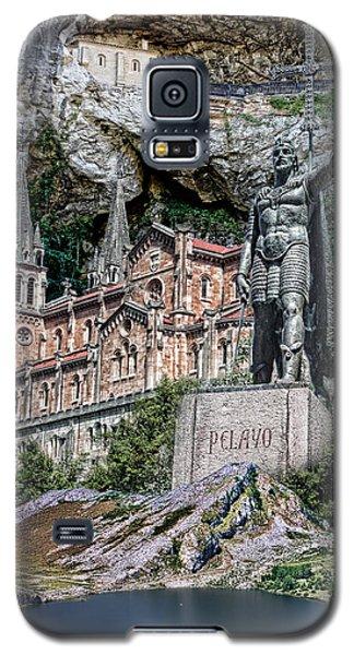 Galaxy S5 Case featuring the photograph Covadonga by Angel Jesus De la Fuente