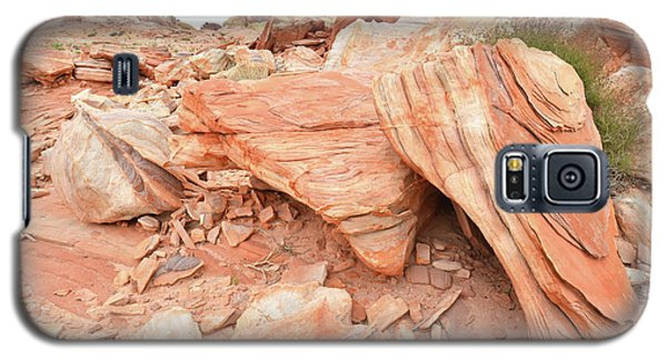 Galaxy S5 Case featuring the photograph Cove Of Sandstone Shapes In Valley Of Fire by Ray Mathis