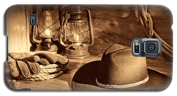Cowboy Hat And Kerosene Lanterns Galaxy S5 Case