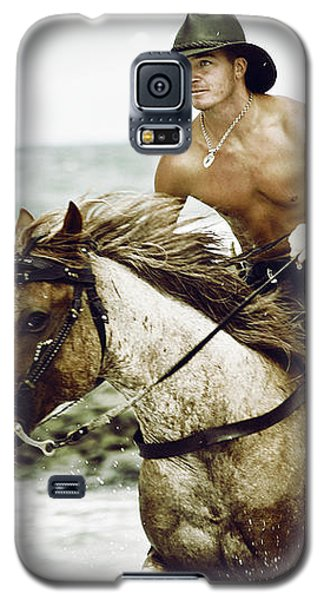 Cowboy Riding Horse On The Beach Galaxy S5 Case