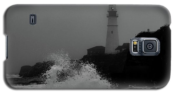 Crashing Waves On A Foggy Morning Galaxy S5 Case