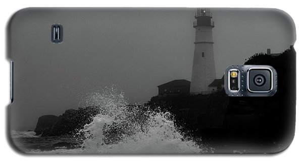 Crashing Waves On A Foggy Morning Galaxy S5 Case