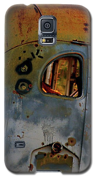 Galaxy S5 Case featuring the photograph Creepers by Trish Mistric