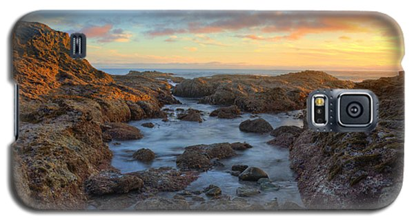 Crescent Bay Tide Pools At Sunset Galaxy S5 Case by Eddie Yerkish
