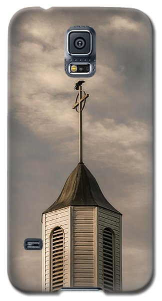 Galaxy S5 Case featuring the photograph Crow On Steeple by Richard Rizzo