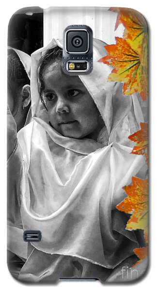 Galaxy S5 Case featuring the photograph Cuenca Kids 885 by Al Bourassa