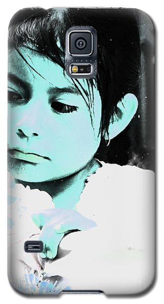 Galaxy S5 Case featuring the photograph Cuenca Kids 886 by Al Bourassa