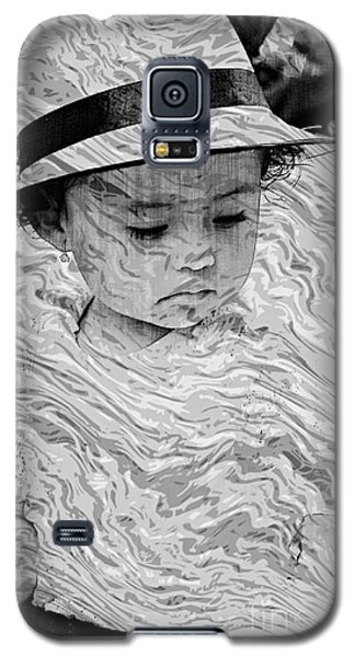 Galaxy S5 Case featuring the photograph Cuenca Kids 894 by Al Bourassa