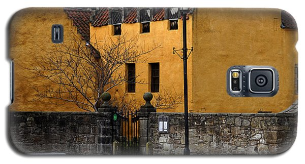 Galaxy S5 Case featuring the photograph Culross by Jeremy Lavender Photography