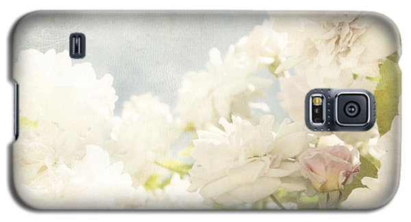 Curtains And Fountains Of Roses Galaxy S5 Case