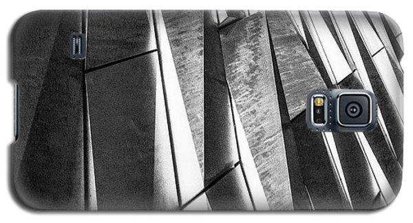Cutting Design At Titanic Belfast Galaxy S5 Case