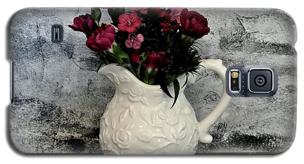 Galaxy S5 Case featuring the photograph Dainty Flowers by Marsha Heiken