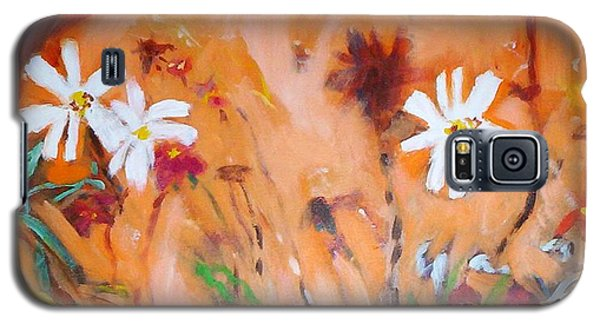 Galaxy S5 Case featuring the painting Daisies Along The Fence by Winsome Gunning