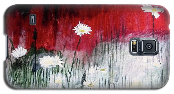 Galaxy S5 Case featuring the painting Daisies by Mary Ellen Frazee