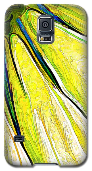 Daisy Petal Abstract In Lemon-lime Galaxy S5 Case by ABeautifulSky Photography