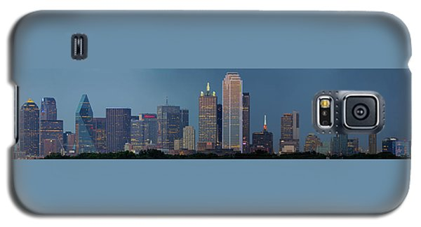 Galaxy S5 Case featuring the photograph Dallas At Night by Jonathan Davison