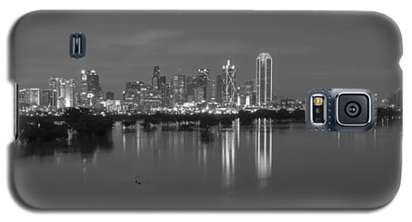 Dallas Skyline Trinity Black And White Galaxy S5 Case
