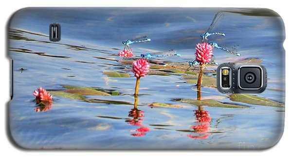 Damselflies On Smartweed Galaxy S5 Case by Michele Penner