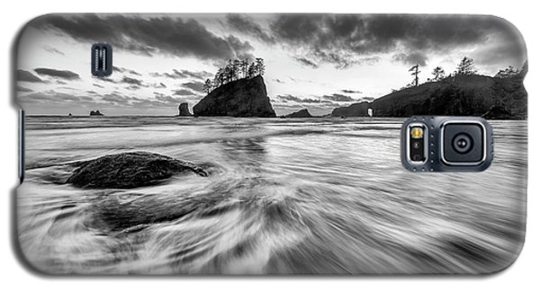 Galaxy S5 Case featuring the photograph Dance Of The Tides by Mike Lang