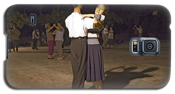 Dancing Couple Galaxy S5 Case by R Thomas Berner