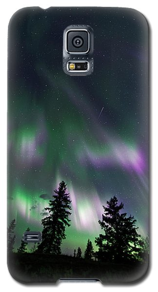 Galaxy S5 Case featuring the photograph Dancing Lights by Dan Jurak