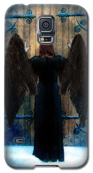 Dark Angel At Church Doors Galaxy S5 Case
