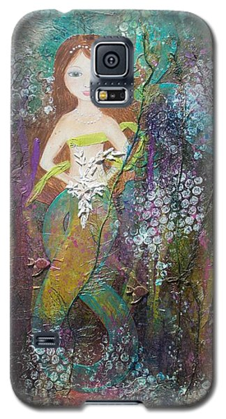 Galaxy S5 Case featuring the mixed media Daughter Of The Sea by Virginia Coyle