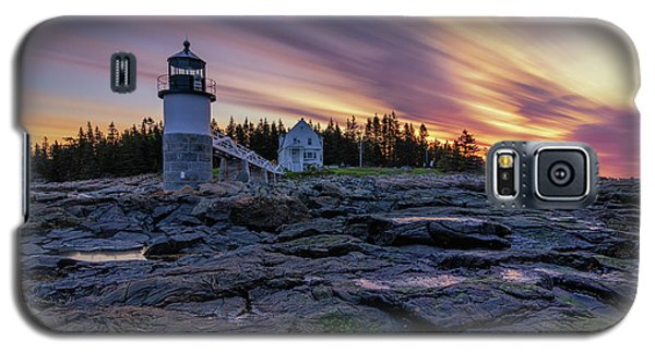 Dawn Breaking At Marshall Point Lighthouse Galaxy S5 Case