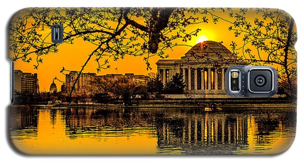 Galaxy S5 Case featuring the photograph Dawn At The Jefferson Memorial  by Nick Zelinsky