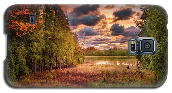 Dawn At The Lake Galaxy S5 Case