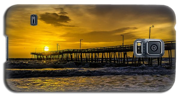 Dawn At The Virginia Pier Galaxy S5 Case