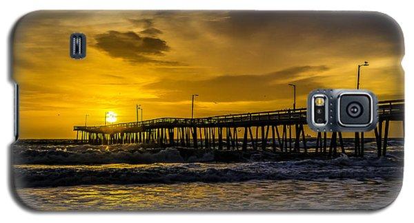 Dawn At The Virginia Pier Galaxy S5 Case