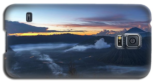 Dawn Breaking Scene Of Mt Bromo Galaxy S5 Case
