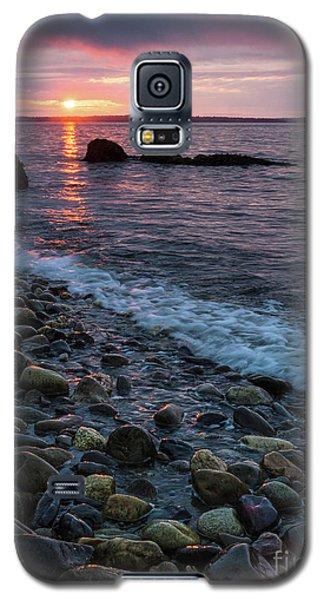 Galaxy S5 Case featuring the photograph Dawn, Camden, Maine  -18868-18869 by John Bald