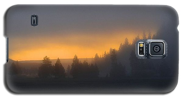 Dawn On A Misty Morning Galaxy S5 Case