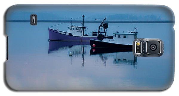 Galaxy S5 Case featuring the photograph Dawn Rising Over The Harbor by Jeff Folger