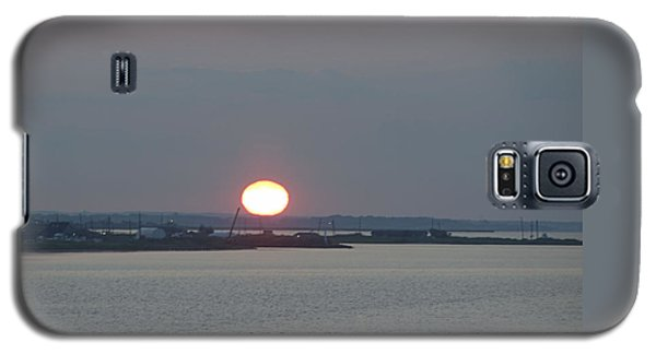 Galaxy S5 Case featuring the photograph Dawn by  Newwwman