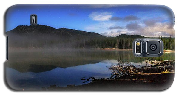 Galaxy S5 Case featuring the photograph Daybreak At Sparks Lake by Cat Connor