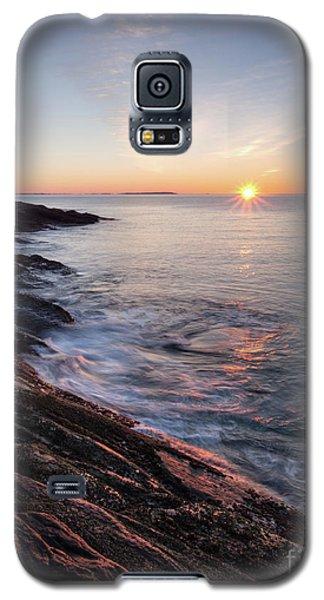 Galaxy S5 Case featuring the photograph Daybreak, Pemaquid Peninsula, New Harbor, Maine  -81368-81369 by John Bald